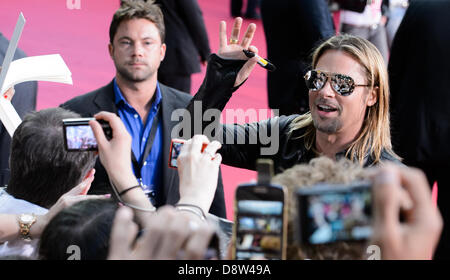 Berlin, Germany. 4th June 2013. The Hollywood actor Brad Pitt arrives at 04.06.2013 in Berlin for the premiere of - Stock Photo