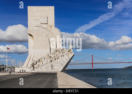 Portugal, Estremadura, Lisbon, Prince Henry the Navigator leading the Discoveries Monument with Ponte 25th Abril - Stock Photo