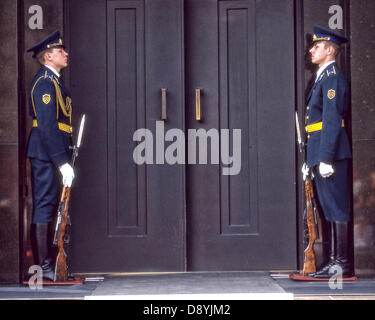 May 26, 1987 - Moscow, RU - Standing at attention on either side of the door at Lenin's tomb mausoleum in Red Square, - Stock Photo