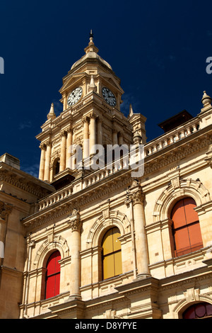 City Hall in Cape Town on a bright sunny day with deep blue skies. - Stock Photo