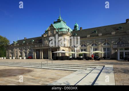 Kaiserpalais mit GOP-Variete-Theater im Kurpark von Bad Oeynhausen, Wiehengebirge, Nordrhein-Westfalen - Stock Photo