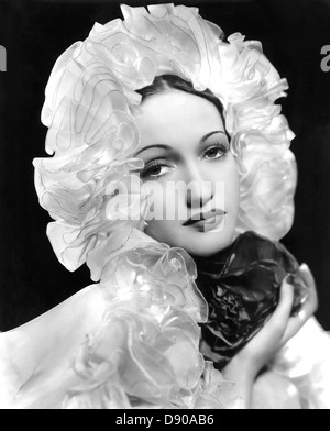 DOROTHY LAMOUR (1914-1996) US singer and film, actress about  1940 - Stock Photo