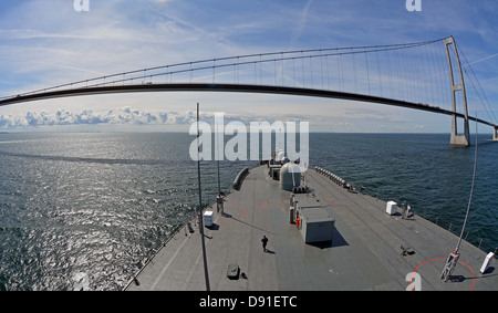 The amphibious command ship USS Mount Whitney (LCC 20) - Stock Photo