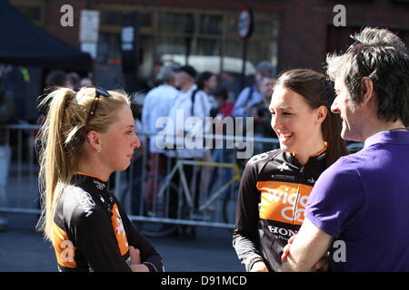 London, UK. 8th June 2013. Laura Trott and Dani King of team Wiggle Honda before the elite women's race of the IG - Stock Photo