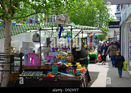 Market stalls at Farmer's market, South Street, Bishop's Stortford, Hertfordshire, England, United Kingdom - Stock Photo