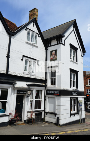 14th century The George Hotel, High Street, Bishop's Stortford, Hertfordshire, England, United Kingdom - Stock Photo