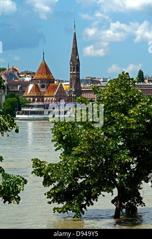Flooding 2013 River Danube Budapest Hungary - Stock Photo