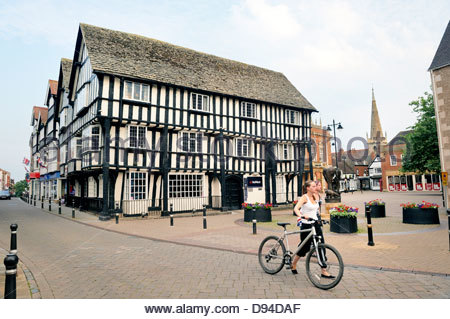 The Round House on Bridge Street in the town of Evesham, Worcestershire, England. 15 C half-timbered merchant's - Stock Photo