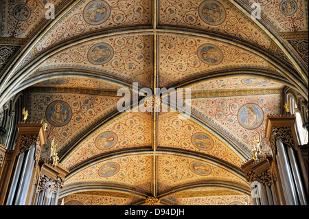 Worcester Cathedral, England. Looking east along the decorated ceiling of the Choir - Stock Photo