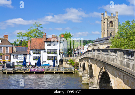 The Angel pub by Henley bridge over the River Thames Henley-on-Thames Oxfordshire England UK GB EU Europe - Stock Photo