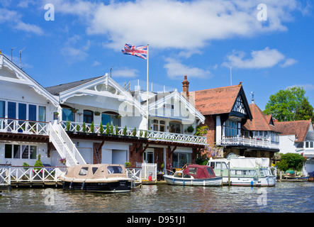 Riverside houses at River Thames Henley-on-Thames Oxfordshire England UK GB EU Europe - Stock Photo