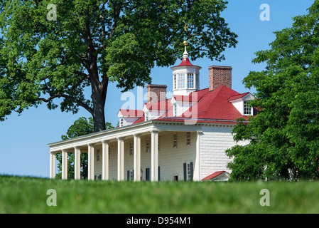 Washington estate mansion at Mt Vernon, Virginia, USA - Stock Photo