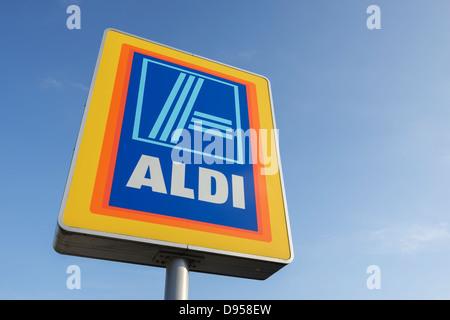 Aldi supermarket sign