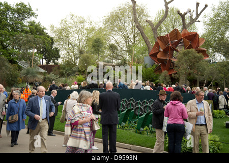Visitors to the RHS Chelsea Flower Show near the Trailfinders Australian Show Garden, winner of the best show garden - Stock Photo