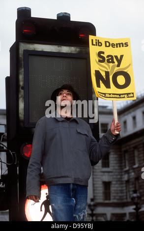 Stop the War in Iraq demo, London, UK. 15 February 2003. - Stock Photo