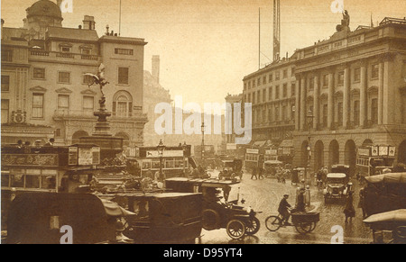 Regent Street, London, England, viewed from Piccadilly Circus, 1923 - Stock Photo