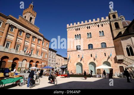 italy, umbria, foligno, piazza della repubblica - Stock Photo