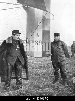 Flight-Sergeant Frantz and his mechanic Guenault who, on 5 October 1914, shot down a German Aviatik from their voisin - Stock Photo
