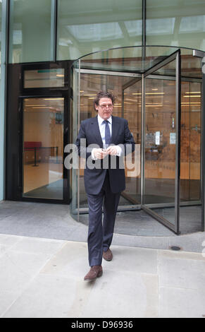 London, UK. 12th June 2013.  High profile chef Marco Pierre White today was at the Rolls Building suing former business - Stock Photo