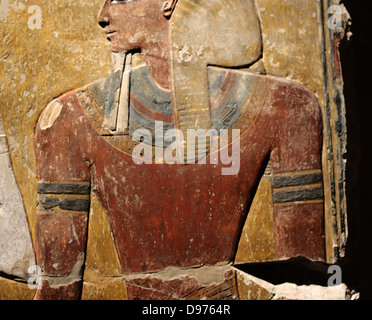 Fragment of a pillar : king Seti I in front of the god Osiris. New Kingdom, 19 Dynastic Around 1290 BC West Bank - Stock Photo