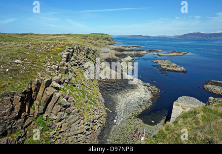 East coast of the Isle of Staffa Inner Hebrides Scotland north of the pier access point. - Stock Photo