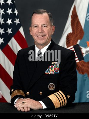 Admiral Michael Glenn 'Mike' Mullen, USN (born October 4, 1946) is the 17th and current Chairman of the Joint Chiefs - Stock Photo