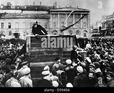 Lenin in Red Square. Vladimir Ilyich Lenin ( 1870 – 1924). Russian revolutionary and communist politician who led - Stock Photo