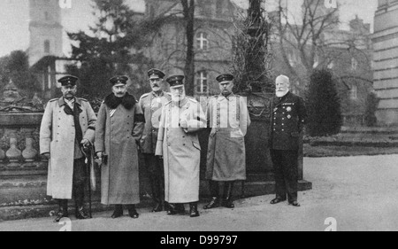 World War I 1914-1918:  Visit of King of Bavaria to the German Headquarters, 1917.  From left: Hindenburg, Emperor - Stock Photo