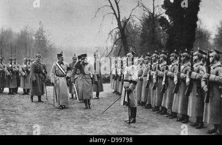 World War I 1914-1918: Visit of Charles I of Austria to the German Army Headquarters, 1917.  Charles accompanied - Stock Photo
