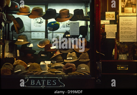Bates hat shop in Jermyn Street, Mayfair London - Stock Photo