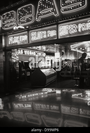 Las Vegas amusement arcade in Wardour Street, Soho, London - Stock Photo