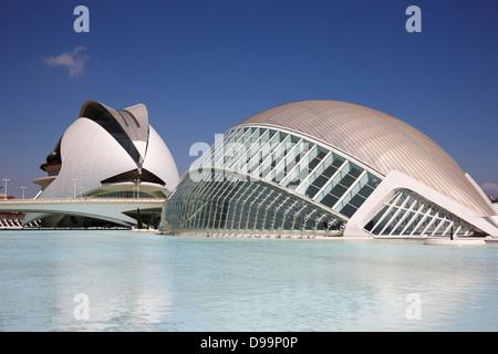 l'hemisferic and palau de les arts reina sofia city of arts and sciences ciutat de les arts i les ciencies valencia - Stock Photo