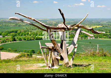 Oxon - Chiltern Hills - Beacon Hill - landscape with modern wooden sculpture - hilltop location - overlooking rural - Stock Photo