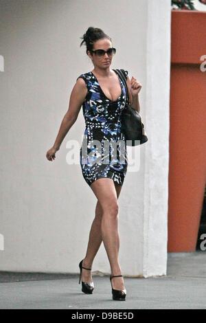 Tulisa contostavlos leaves nick chavez hair salon with her for Nick s hair salon