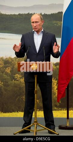 Enniskillen, Northern Ireland,  UK. 18th June 2013. Russian President Vladimir Putin gives a press conference after - Stock Photo