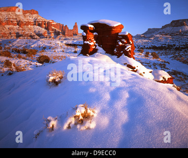 Redrock cropping along road to Fisher Towers off HWY 128 near Castle Valley, Utah during subzero period in January - Stock Photo