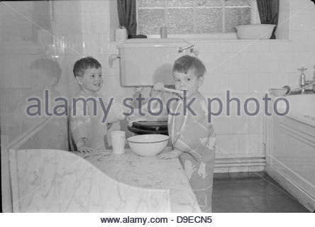 Life at the Tapley Park Children's Home (the Chaim Weizmann Home), Instow, Devon, October 1942 D10559 - Stock Photo