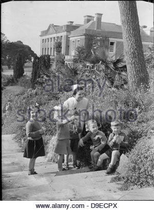 Life at the Tapley Park Children's Home (the Chaim Weizmann Home), Instow, Devon, October 1942 D10574 - Stock Photo