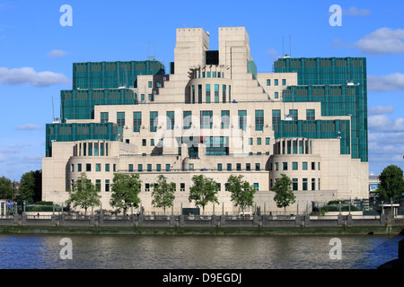 Secret intelligence services building, Vauxhall Cross, Vauxhall, London on south bank of River Thames - Stock Photo