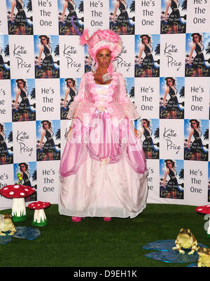 London, UK. 18th June, 2013. Photo call of Katie Price for her New Book 'He's The One' Her 9th novel. Credit:  Peter - Stock Photo