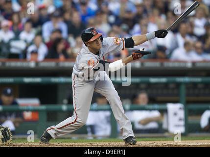 Detroit, Michigan, USA. 18th June, 2013. June 18, 2013: Baltimore Orioles third baseman Manny Machado (13) at bat - Stock Photo