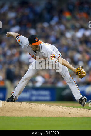 Detroit, Michigan, USA. 18th June, 2013. June 18, 2013: Baltimore Orioles pitcher Darren O'Day (56) delivers pitch - Stock Photo