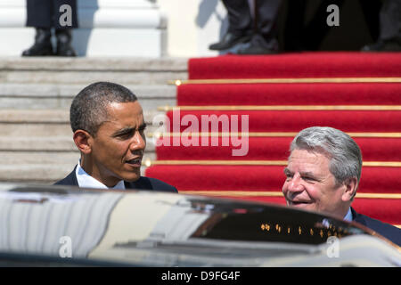 Berlin, Germany. June 19th 2013. German President Joaquim Gauck receives US President Barack Obama in the Presidential - Stock Photo