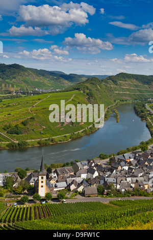 The famous bow near Bremm on the River Moselle, Rhineland-Palatinate, Germany - Stock Photo