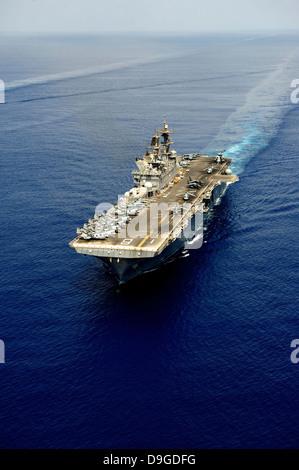 Amphibious assault ship USS Makin Island. - Stock Photo