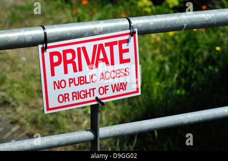 Rye, East Sussex, England, UK. Sign - private land, no access - Stock Photo