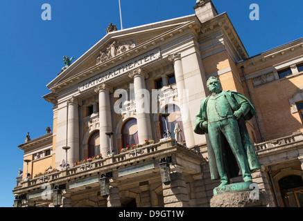 The National Theatre, Oslo, Norway with statue of the writer Bjornstjerne Bjornson - Stock Photo