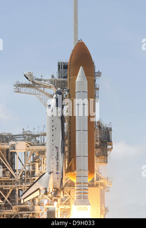 separation of booster rockets and space shuttle external tank - photo #19