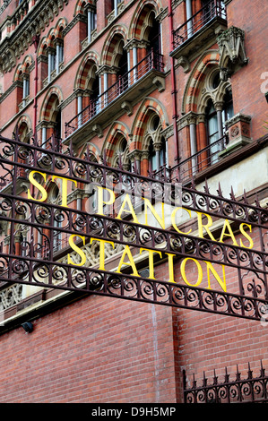London, England, UK. St Pancras Railway Station. Old sign by the entrance - Stock Photo