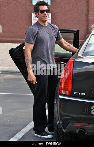 Mike Catherwood  arrives at a dance studio to rehearse for 'Dancing With The Stars' Los Angeles, California - 22.03.11 - Stock Photo